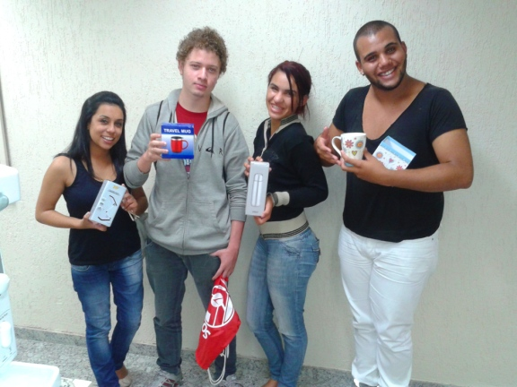 Caroline Panisello, Bruno Thiago dos Santos, Thayna Cruz e Wisley Antônio (recuperadores premiados equipe BV Telecobrança - Matriz)