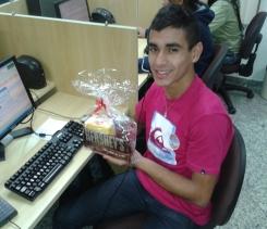 Henrique Ruiz (premiado com o Desafio de Páscoa) na equipe BV Telecobrança na Matriz