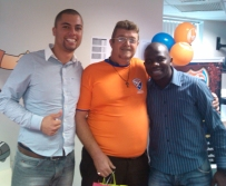 André Marques e Thiago Henrique (coordenadores Fábrica II) e Renato Tadeu (recuperador premiado Fábrica II - ao centro)