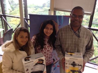 Valdirane Pereira e José Roberto da Rosa (contemplados Curitiba) e Dejayne Alves (coordenadora Curitiba - ao centro)