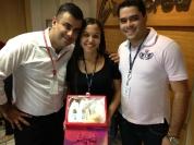 Luciano Perrin (gerente filial Goiânia), Lucineide dos Santos (recuperadora premiada filial Goiânia) e Guilherme Júnior (coordenador operacional filial Goiânia)