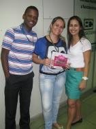 Carlos Henrique e Adriana Pereira (coordenadores filial Vitória) e Estelamares Marques (recuperadora filial Vitória - ao centro)